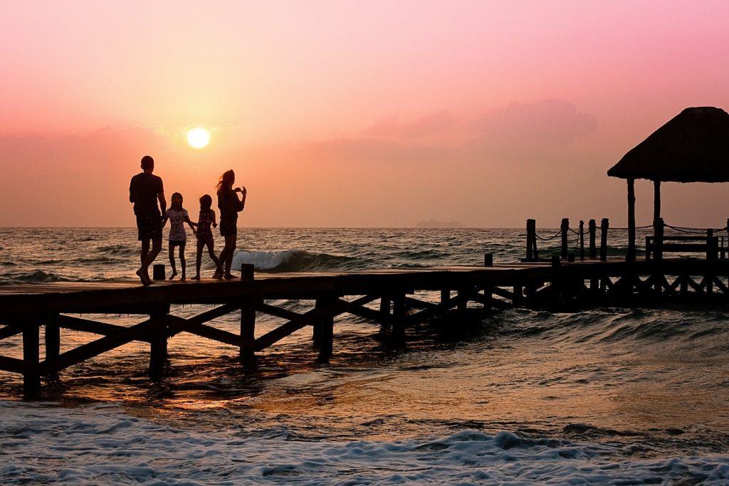 seguros-viaje-familias